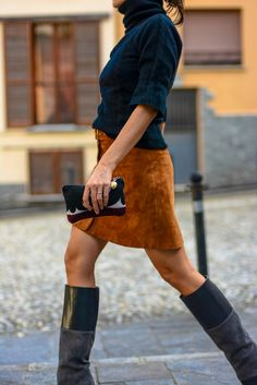 street style outfit, suede botton skirt, 70's mood, http://destijl.it/fashion/back-to-70s/
