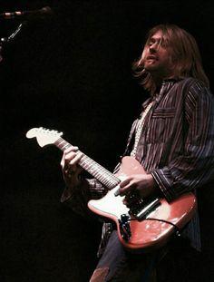 Kurt Cobain Photos, Nirvana Kurt Cobain, Kurt Cobain Unplugged, Club 27, Donald Cobain, Foo Fighters, Music Film, Forever, Grunge Fashion