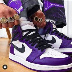 Dr Shoes, Swag Shoes, Hype Shoes, Nike Shoes Air Force, Jeans Shoes, Shoes Heels, Jordan Shoes Girls, Air Jordan Shoes, Girls Shoes