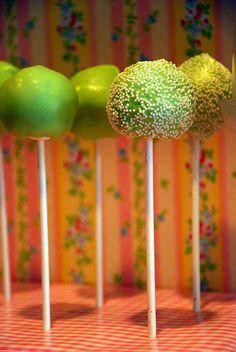 Cake Pops by Sweet Fix, via Flickr