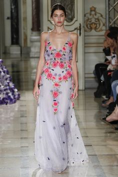 http://www.vogue.com/fashion-shows/spring-2016-ready-to-wear/luisa-beccaria/slideshow/collection