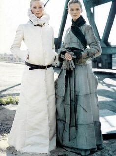 Vogue US July 2000 - Maggie Rizer & Carmen Kass by Steven Meisel h