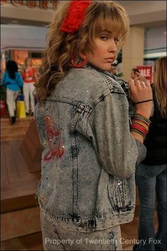 How I met your mother - Robin Scherbatsky - Robin Sparkles - Cobie Smulders - HIMYM How I Met Your Mother, Tumblr Outfits, Mode Outfits, Retro Outfits, 80s Style Outfits, Disfarces Halloween, Halloween Costumes, Street Style Photography, 1980s Costume