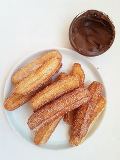 Home made Churros No Bake Desserts, Delicious Desserts, Dessert Recipes, Home Made Churros, Baking Recipes, Cookie Recipes, Swedish Recipes, Bagan, Snacks