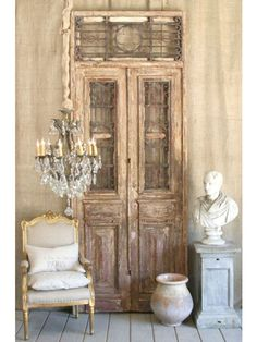 Excellent diy french country decor are offered on our internet site. Read more and you wont be sorry you did. Shabby Chic Furniture, Shabby Chic Decor, Furniture Decor, Modern Furniture, Furniture Design, Antique French Doors, Vintage Doors, Vintage Clocks, French Vintage