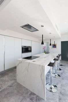 Halmann Vella Kitchen Tops in Malta and Gozo Kitchen Tops, Kitchen Island, Stone Kitchen, Engineered Stone, Kitchen Countertops, House Ideas, Home Decor, Windows, Haus