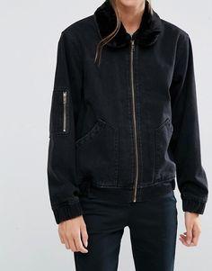 ASOS | ASOS - Bomber di jeans nero slavato con colletto in pelliccia sintetica