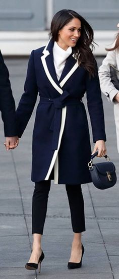 6 Meghan Markle-Approved Fashion Brands for Your 2019 Work Wardrobe Estilo Meghan Markle, Meghan Markle Stil, Meghan Markle Coat, Work Fashion, Fashion News, Fashion Brands, Curvy Fashion, Fall Fashion, Fashion Outfits