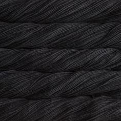 Merino Worsted Black, die Farbe, die alles adelt - Woolpack