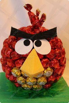 Красная птичка из семейства Angry Birds. Сделала ее в подарок маленькой принцессе - любителю злых птичек. фото 1