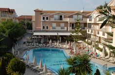 Contessina Hotel - View of the Pool and the Main Building