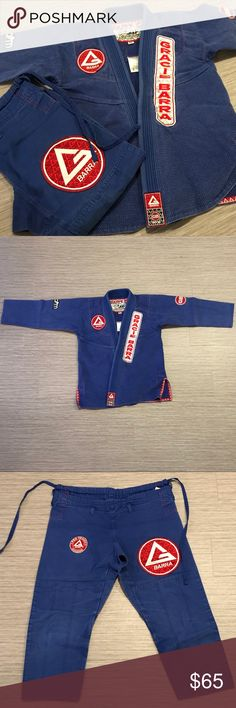 Storm Gracie Barra Jiu Jitsu Gi Storm GB jiu jitsu gi. Good condition. It's been worn in rotation for about four months. No tears in the seams or construction. One of the patches on the chest, as shown in the photo, is starting to lose its stitching but it's not significant and easily fixable I'm just lazy. It's an A0, I'm 5'3 130lbs for reference. Pearl weave jacket, canvas pants. Let me know if you have any questions Storm Other