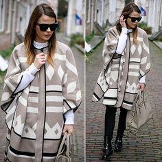 Poncho é tendência nesse inverno. Confira no Moda que Rima.