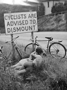 Cyclists are advised to dismount.