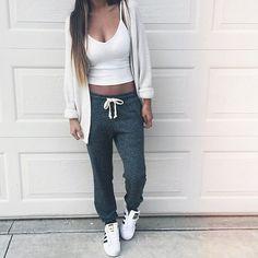 Tight white tank top + grey sweatpants + adidas shoes + loose cardigan + casual ponytail