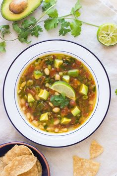 White Bean Avocado & Lime Soup- so easy and unbelievably good! #cleaneating #plantbased