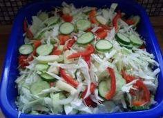 Sałatka w słoiki - wielowarzywna Cabbage, Chicken, Vegetables, Food, Veggies, Essen, Cabbages, Vegetable Recipes, Yemek