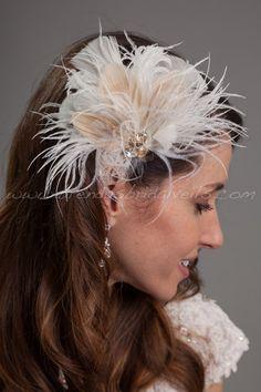 Birdcage nupciales fascinador, pelo Fascinator de la pluma, marfil con ojos de pavo real Champagne - Blanche