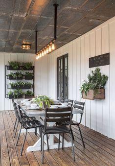 12 Cozy Modern Farmhouse Sunroom Decor Ideas