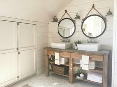 Are you looking for bathrooms with farmhouse style? Well, I have 16 bathrooms that rock farmhouse style and win every time.