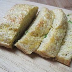 😍PAN de QUESO y especies (rinde 2 porciones)😍 🔸Necesitas: 🔻1 y 1/2 cucharadas soperas de queso crema bajo en grasa. 🔻1 y 1/2 cucharada de ricotta magra (puede reemplazarse por más queso crema o yogurt descremado). 🔻Condimentos opcionales (pueden saborizarlo como quieran): Eneldo, orégano, ciboulette, paprika, cebolla deshidratada, etc. 🔻2 huevos y una clara ó 1 huevo y 3 claras. 🔻1 cucharadita tamaño café  de polvo de hornear. 🔻4 cucharadas de salvado de avena (si sufren de tránsito…
