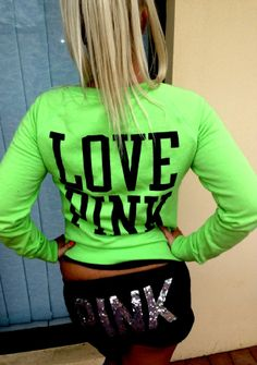 Love the shorts & the sweater<3 But I would like it if the shorts were yoga pants instead.