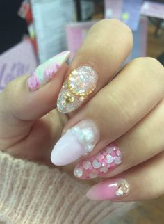Japanese nail art design is quite popular in their own country and also in some country.. #japanesenail #naildesigns #nail #nagels