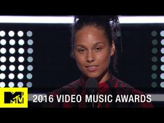 Video: Alicia Keys Reads Poem, Performs Tribute to Martin Luther King Jr. at the VMAs – House Of Ace