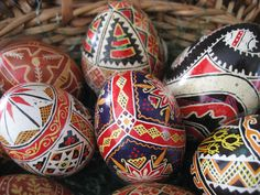 Traudl Renner does #Ukrainian technique. Submit #Easter egg photos to news@reporter-herald.com #LovelandRHeggs