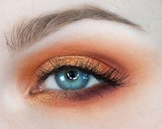 """746 Likes, 20 Comments - R E B E C C A   S H O R E S (@rebeccashoresmua) on Instagram: """" Fireside oranges   Orange is probably my favorite color to wear on my eyes. What's your favorite…"""""""