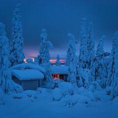 Winter in Kuusamo, Finland. Winter Szenen, Winter Love, Winter Magic, Winter Season, Winter Christmas, Winter Night, Winter Pictures, Cool Pictures, Foto Gif