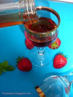Λικέρ φράουλας, καθαρό και διάφανο | Tante Kiki Chocolate Fondue, Food And Drink, Desserts, Blog, Drinks, Tailgate Desserts, Drinking, Deserts, Beverages