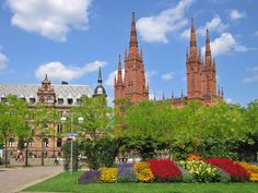 My dad's family came from Germany. His two aunts lived in Wiesbaden and it was the first town we visited in 1979 during my first of several trips to Europe. One of my favorites!