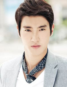 Choi siwon Top 10 Most Popular Korean Actors In 2014