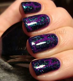 Base- China Glaze: Flying Dragon. Crackle- Funky Fingers: Teal Scales