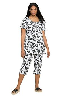 6a9a399f2dd Roamans Womens Plus Size Bold Print Capri Set Black Floral1X     You can  get more details by clicking on the image.Note It is affiliate link to  Amazon.
