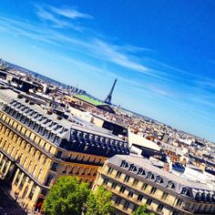 Bonjour Paris! Suddenly I feel like going back here for a few days. I've been to Paris many times but it's still a city that excites me! This photo was taken on the roof of the big shoppingmall; Galeries Lafayette it was so hot I felt like I was melting but the view was awesome as seen as in the photo #france #paris #igersparis #pariscity #eiffeltower #eiffel #backpacking #lonelyplanet #travel #traveling #vacation #instatravel #holiday #tourist #europe #worlderlust #architecture #trip…
