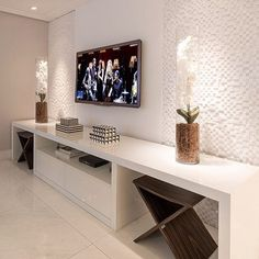 Such a cool tv bench 😃 via Living Room Tv Unit, Interior Design Living Room, Living Room Designs, Living Room Decor, Bedroom Decor, Tv Cabinet Design, Tv Wall Decor, 3d Home, Home Furniture