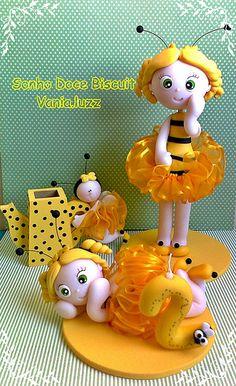 Topo de bolo abelhinha porcelana fria polymer clay pasta francesa masa flexible fimo modelling modelado figurine cake topper