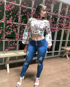 Jeans 💙 eye feast in 2019 Sexy Outfits, Cute Outfits, Fashion Outfits, Denim Fashion, Girl Fashion, Womens Fashion, Looks Teen, Beauté Blonde, Fashion Clothes