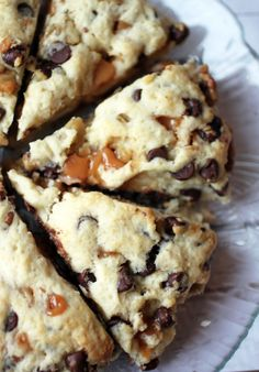 Turtle Scones make without nuts Breakfast Scones, Breakfast Recipes, Dessert Recipes, Oreo Desserts, Just Desserts, Baking Scones, Bread Baking, Sweet Bread, Coffee Cake