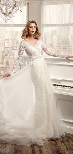 V-neck Long Sleeves Tulle Complicated Lace Wedding Dress 2016 Wedding  Dresses 5aa2a703e84d