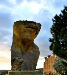 Mitoraj, tempio di Ercole, Agrigento da a.caland Tramite Flickr: .