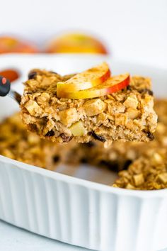 This apple cinnamon baked oatmeal is inspired by traditional Amish baked oatmeal and studded with apples, raisins and loads of cinnamon flavor. It's the perfect fall breakfast and great for meal prep. Healthy Dessert Recipes, Brunch Recipes, Real Food Recipes, Breakfast Recipes, Healthy Food, Healthy Treats, Healthy Baking, Vegan Food, Breakfast Ideas