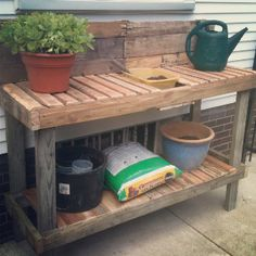Planting table made from re-purposed pallets. Cost - just a lil time and sweat!
