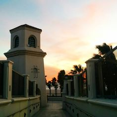 Huntington Beach: faux Spanish-revival architecture. At least the sunset is real... #architecture #spanishrevival #faux #ott #huntingtonbeach #southerncalifornia #sunset #westcoast #travel #convention #hotel #unitedstates #california #irony