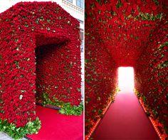 9 ideias de decoração com rosas vermelhas para a festa de 15 anos - Constance Zahn   15 anos