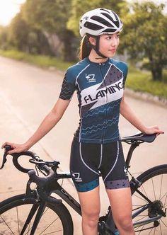 なにわ禁輸うどん♪ Cycling Girls, Cycling Wear, Bicycle Women, Bicycle Girl, Female Cyclist, Mountain Bike Shoes, Cycle Chic, Fishing Girls, Bike Style
