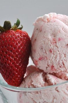 """Easy, Eggless Strawberry Ice Cream 