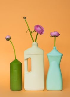 Porcelain bottle vase, made after plastic trash found in Rotterdam. Designed by Foekje Fleur in 2008